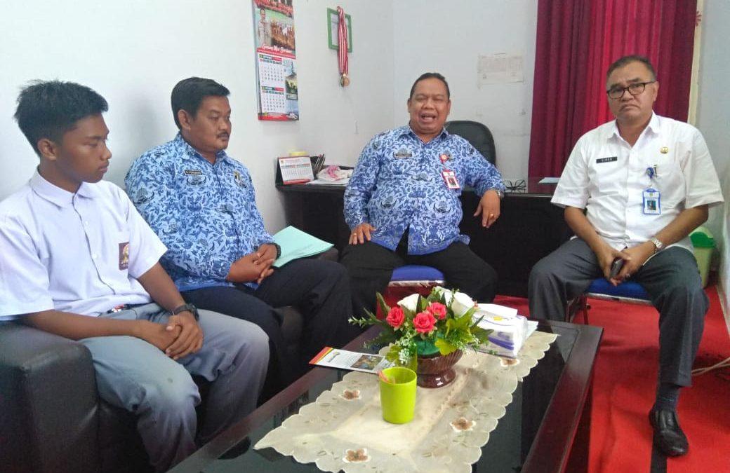 Terima Pelukis Ilham, Kadisparpora Mengaku Bangga